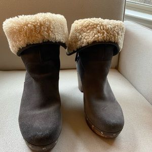 💥like new!! 💥UGG booties